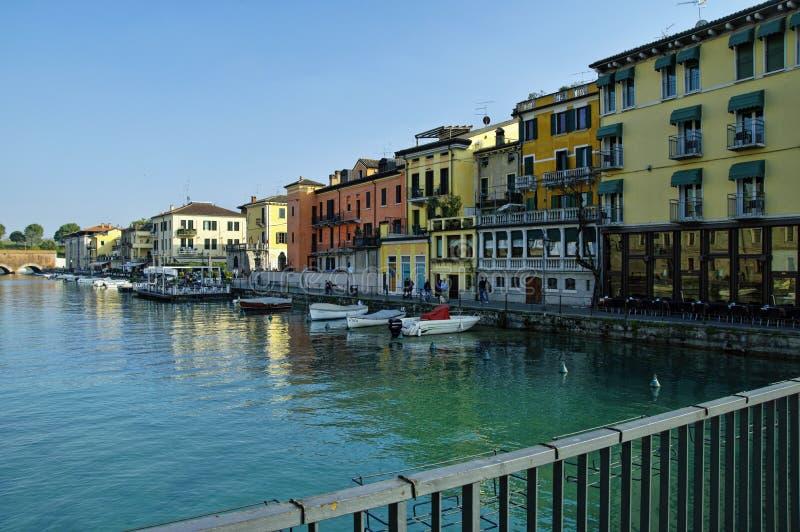Peschiera del Garda, район озера Garda, Италия стоковые фотографии rf