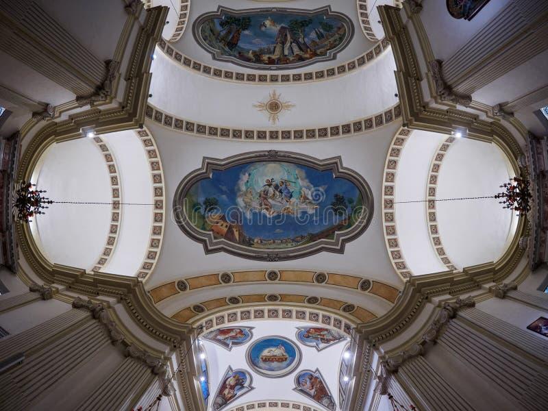 Peschiera Del Garda, Październik 01: Szeroki kąta widok na suficie San Martino kościół na Październiku 01, 2017 w Peschiera Del zdjęcia stock