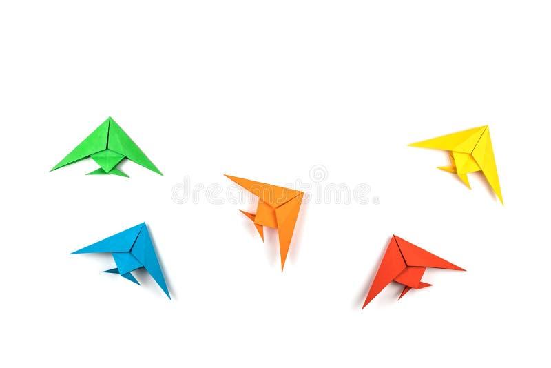 Pesci di carta di origami isolati su fondo bianco fotografia stock