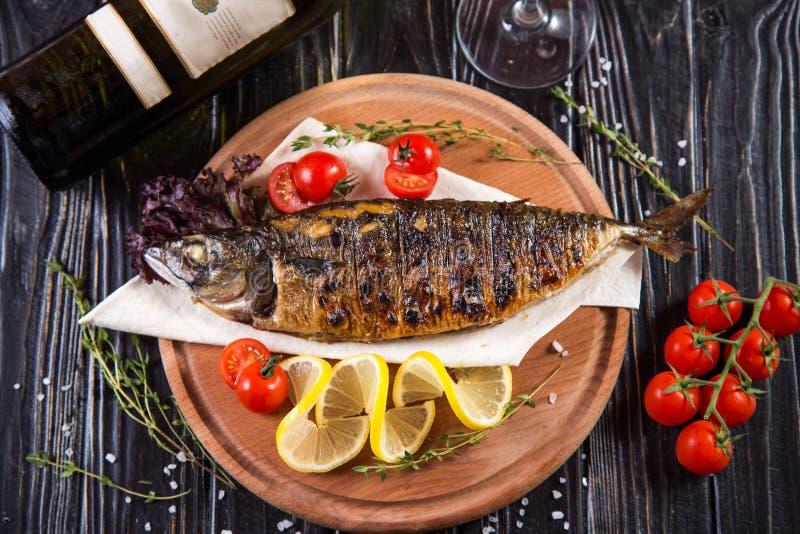 Pesci fritti con il limone fotografie stock libere da diritti
