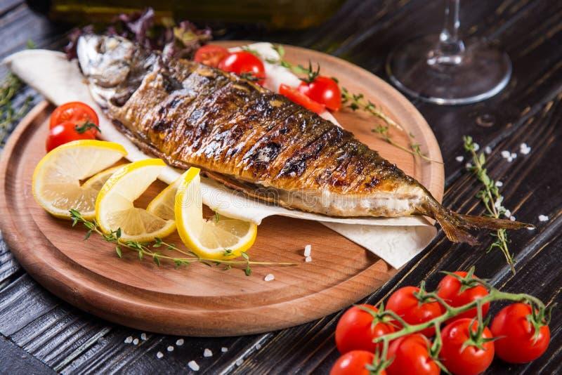 Pesci fritti con il limone immagine stock libera da diritti