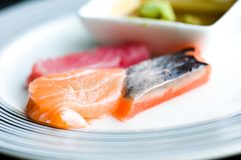 Pesci grezzi giapponesi fotografia stock libera da diritti