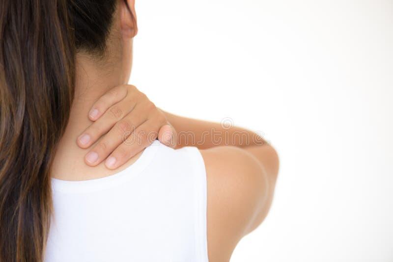 Pescoço da mulher do close up e dor e ferimento do ombro imagens de stock royalty free