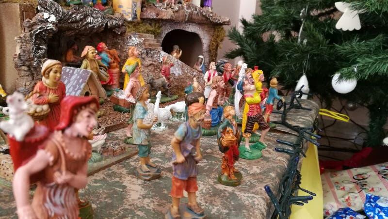 Pesebre hecho en casa de la Navidad, detalles de la gente foto de archivo libre de regalías