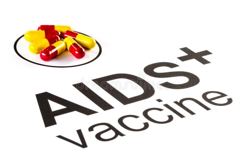 Pesquisa da ciência pela cápsula vacinal oral do SIDA, VIH imagem de stock royalty free