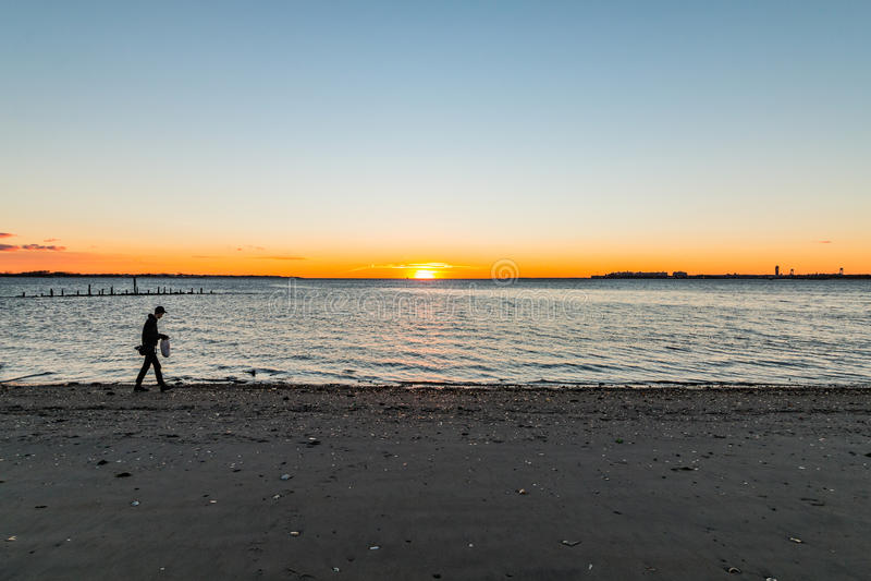 Pesquisa pela luz do sol fotografia de stock