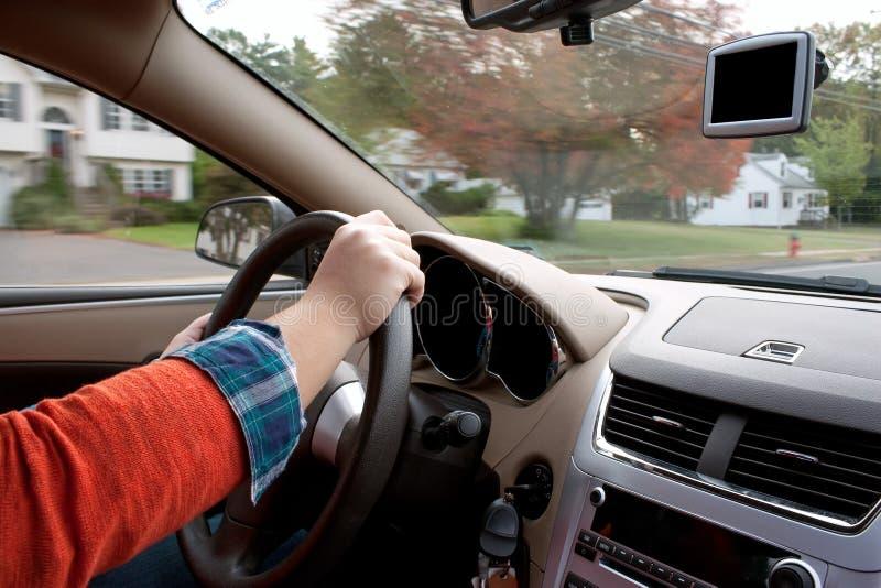Pessoa que conduz um carro fotos de stock