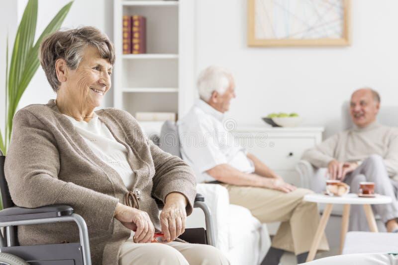 Pessoas idosas que passam o tempo junto imagens de stock