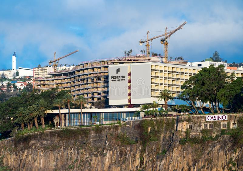Pestana hotel i kasynowy w budowie w Funchal obraz stock