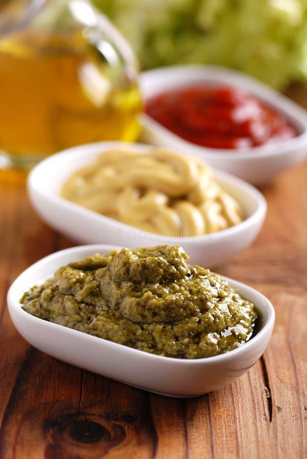 Pesto和其他调味汁 免版税图库摄影