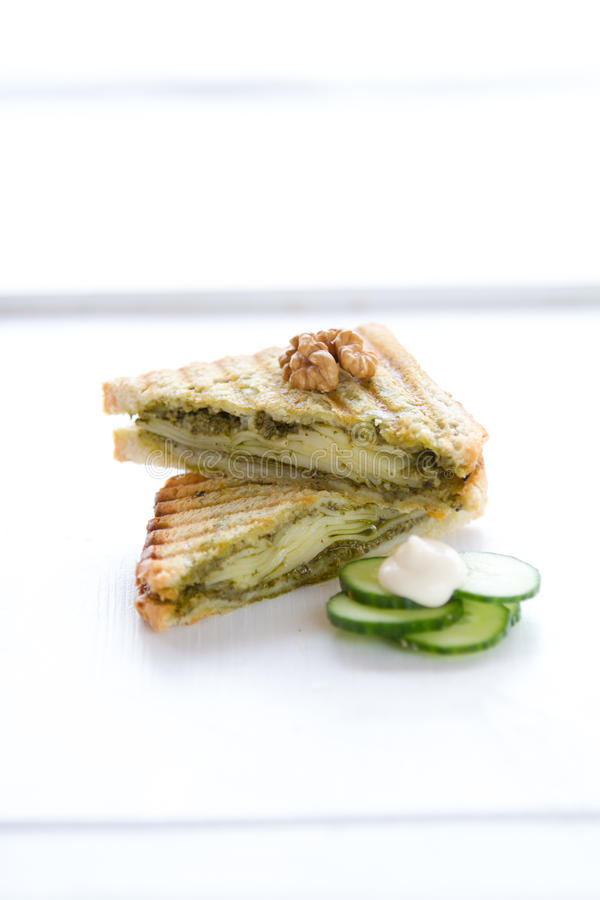 Pesto烤三明治 免版税库存照片