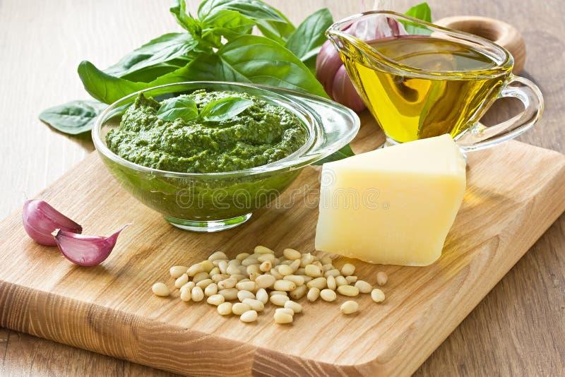 Pesto sause stockfoto