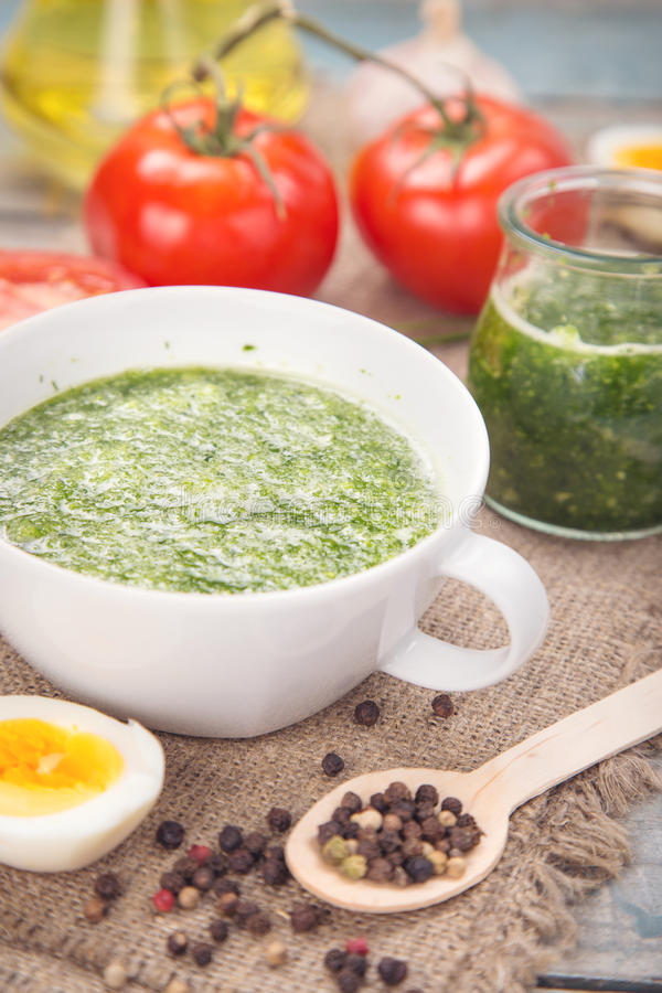 Pesto Soße lizenzfreies stockfoto