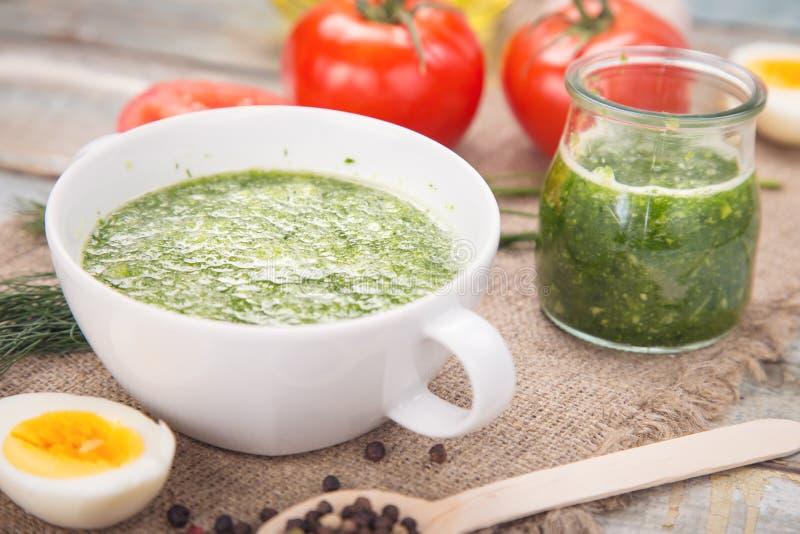 Pesto Soße lizenzfreie stockfotos