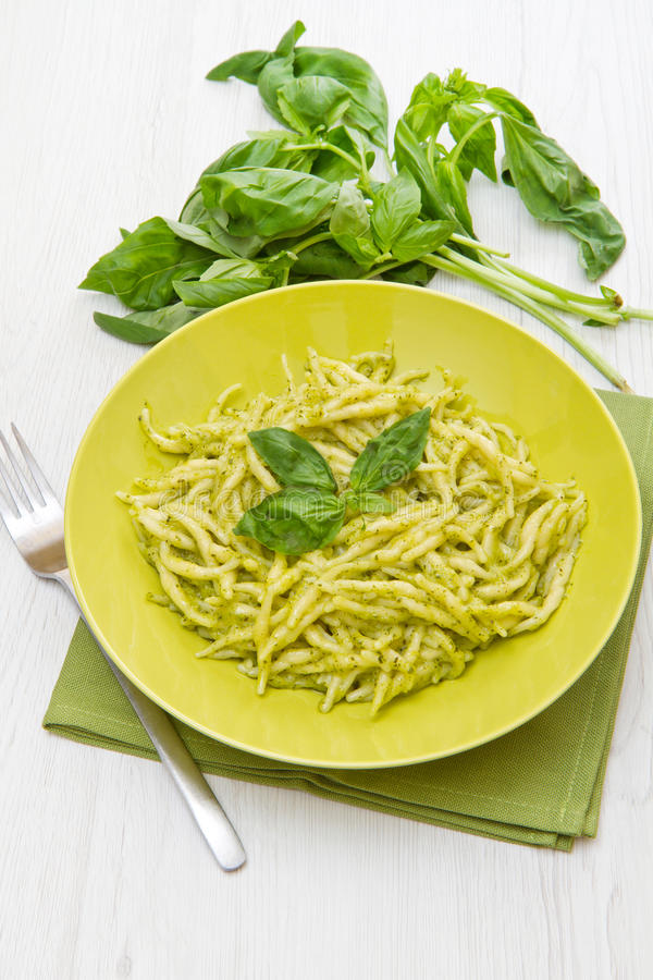 Download Pesto trofie典型的利古里亚食谱 库存图片. 图片 包括有 pesto, 绿色, 正餐, 食物 - 72360597
