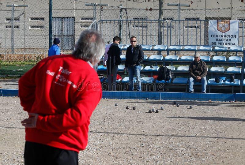Petanque lokal turnering i den spanska ön av Mallorca arkivfoto