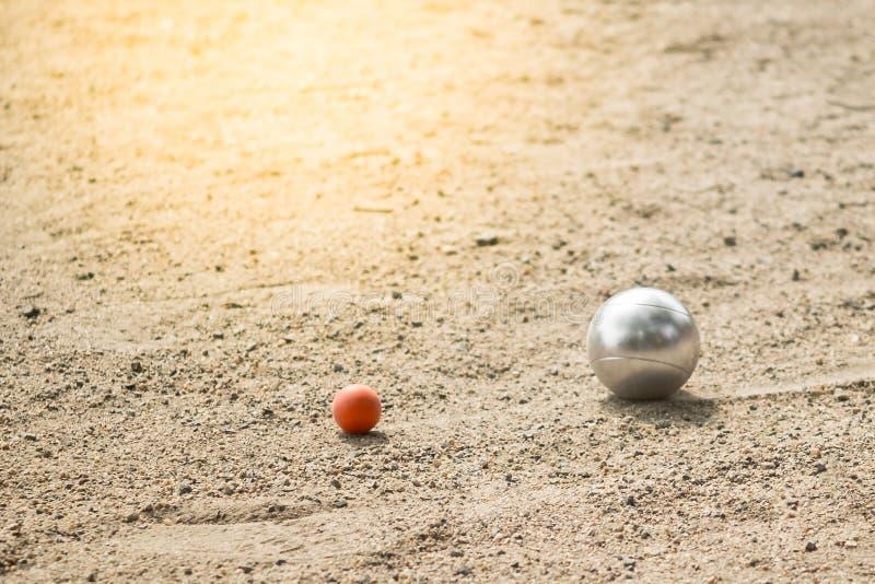 Petanqueballen in Petanque-speltoernooien stock afbeelding