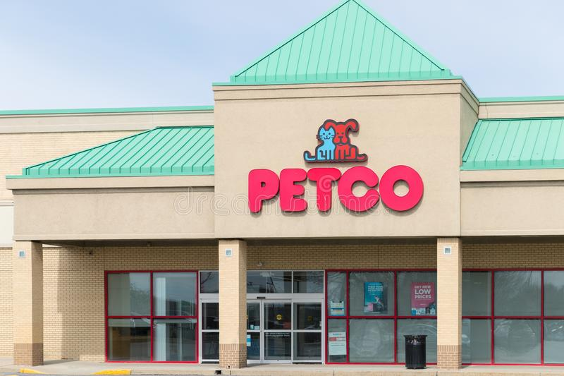 Petco-Tier liefert im Kleinen lizenzfreies stockfoto