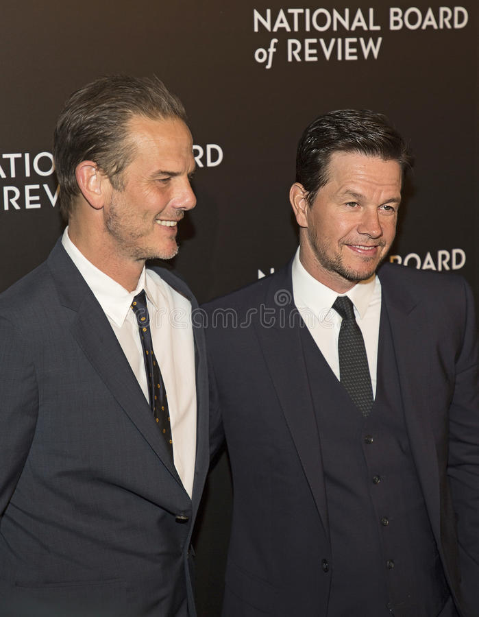 Peter Berg et Mark Wahlberg Score au gala de récompenses de NBR photo libre de droits