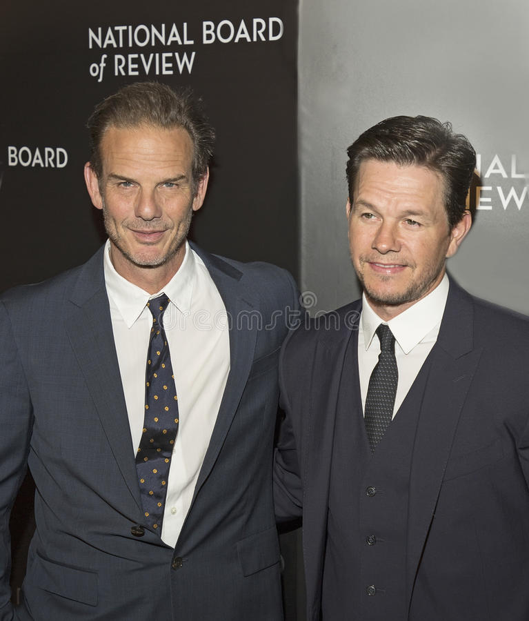 Peter Berg et Mark Wahlberg Score au gala de récompenses de NBR photos libres de droits