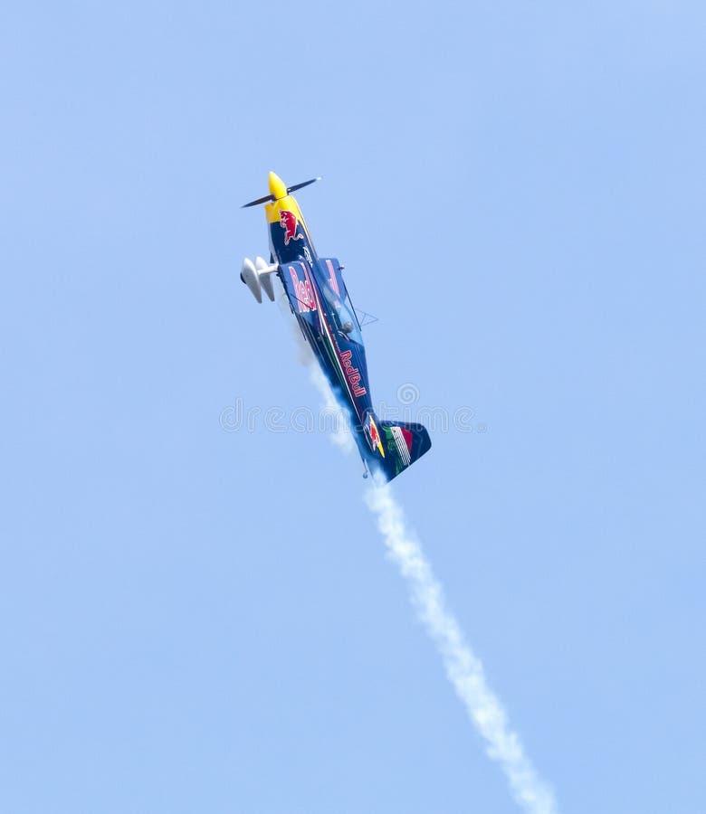 Download Peter Besenyei Od Węgry Na Airshow Zdjęcie Editorial - Obraz złożonej z lotnictwa, post: 57661456