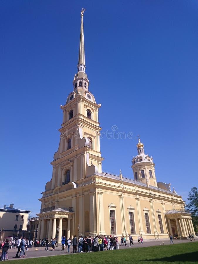 Peter en Paul Cathedral in Peter en Paul Fortress, Heilige Petersburg, Rusland Het Eilandhazen van Petropavlovskayakrepost Zayach stock foto's