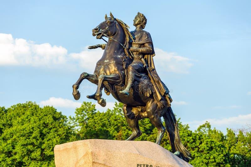 Peter o grande monumento (cavaleiro de bronze) foto de stock
