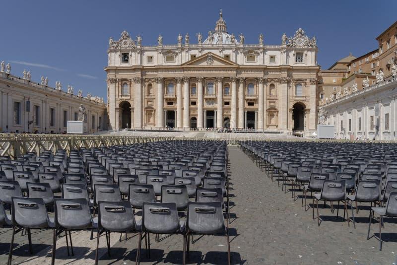 peter rome s för springbrunn för stad för bakgrundsbasilicabernini fyrkantig st vatican arkivbilder