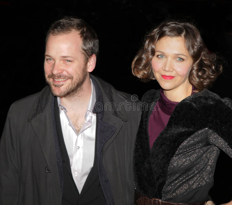 Peter Sarsgaard en Maggie Gyllenhaal stock fotografie