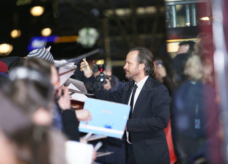 Peter Sarsgaard ger autografer deltar i `en hägringtorn`en, arkivfoton