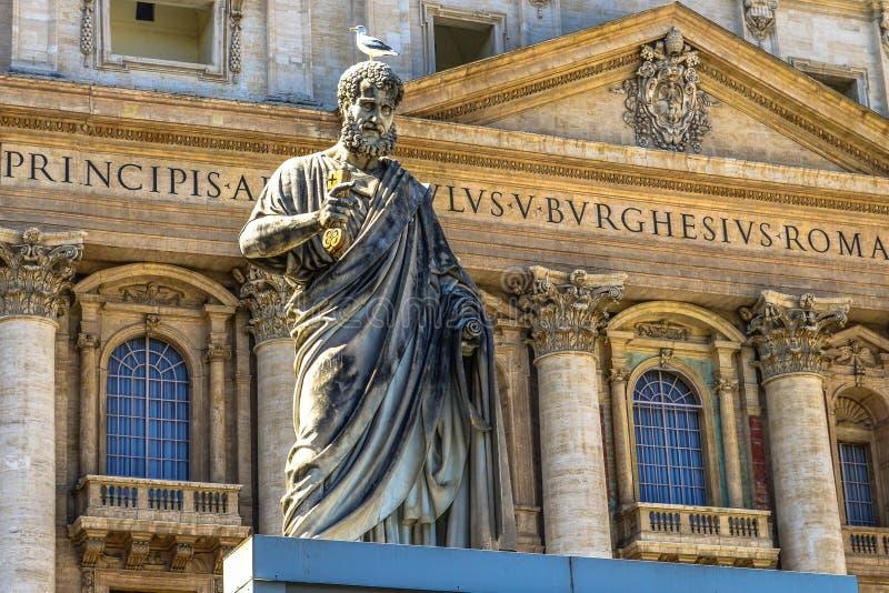 peter st-staty fotografering för bildbyråer