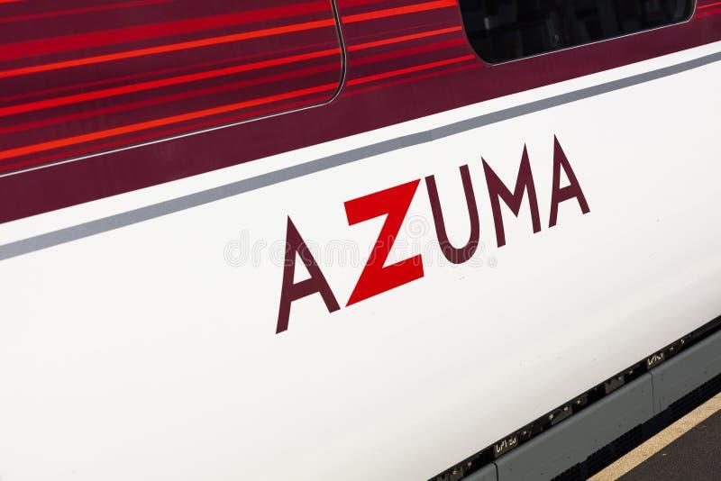 Peterborough, Cambirdgeshire, het UK, Juli 2019, a-mening van een trein van Azuma LNER bij Peterborough-Post stock fotografie