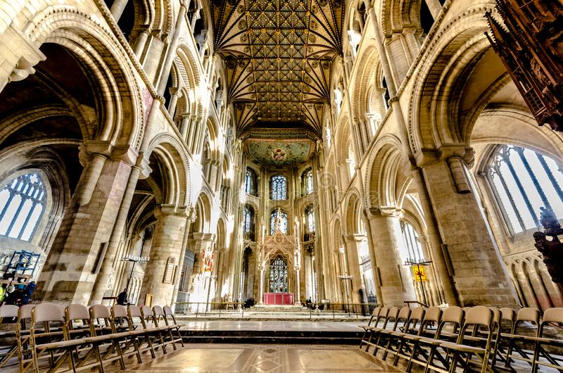 Peterborough Cathedral is een monastische kathedraal in Cambridgeshire, Engeland stock foto's