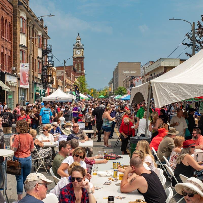Peterborough Uliczny festiwal - smak ?r?dmie?cie obrazy royalty free