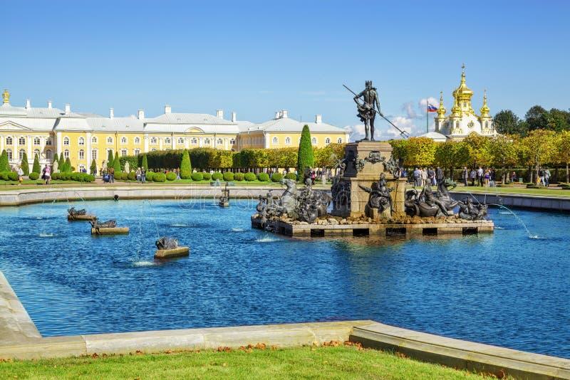 Petergof oder Peterhof, Russland lizenzfreie stockfotos