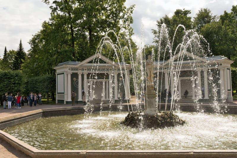 Petergof, Russland, im Juli 2019 Ansicht des Brunnens 'Eva 'im unteren Park stockfoto