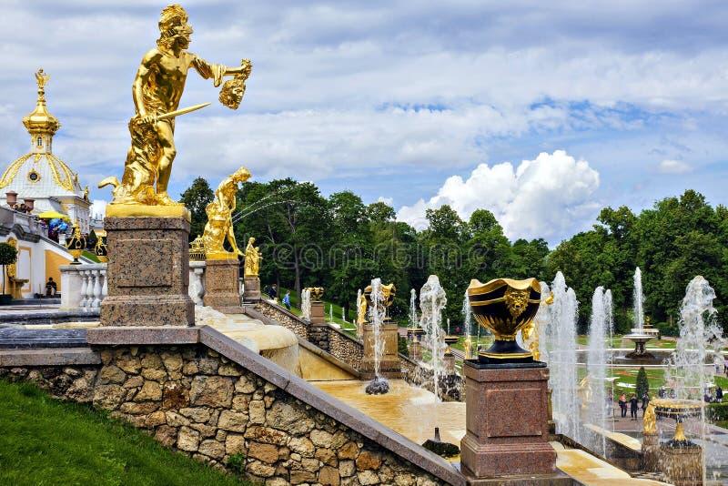 Peterhof, Ρωσία (παγκόσμια κληρονομιά της ΟΥΝΕΣΚΟ) στοκ εικόνες