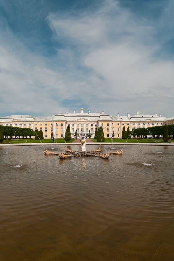 Peterhof großartiger Palast in St Petersburg, Russland stockbild