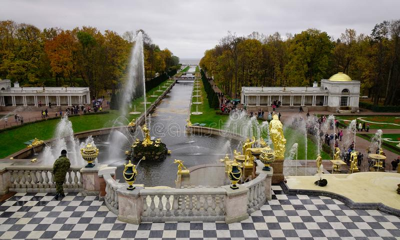 Peterhof pałac w świętym Petersburg, Rosja zdjęcie royalty free