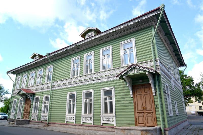 peterhof russia Byggnad av det tidigare godset av I A Khrushchev 1870-1889 royaltyfri foto