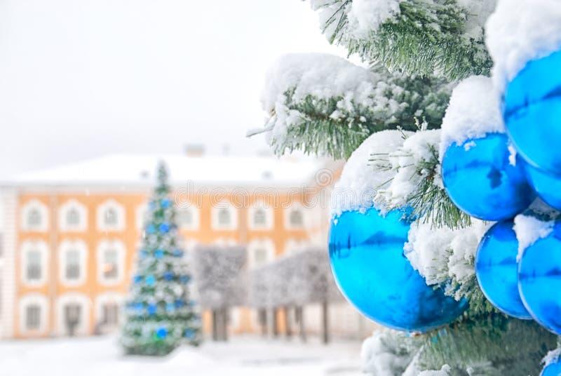 peterhof Ryssland Julgranen i övreträdgården royaltyfria bilder