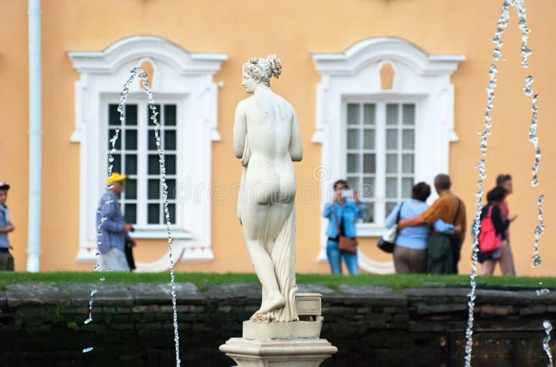 peterhof Ryssland Venus Italica Sculpture royaltyfri bild