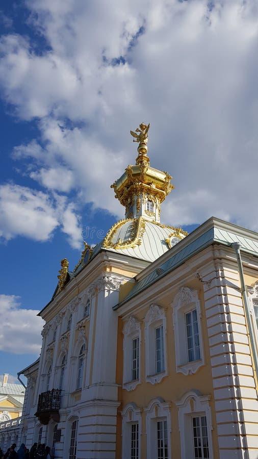 Peterhof in San Pietroburgo fotografie stock libere da diritti