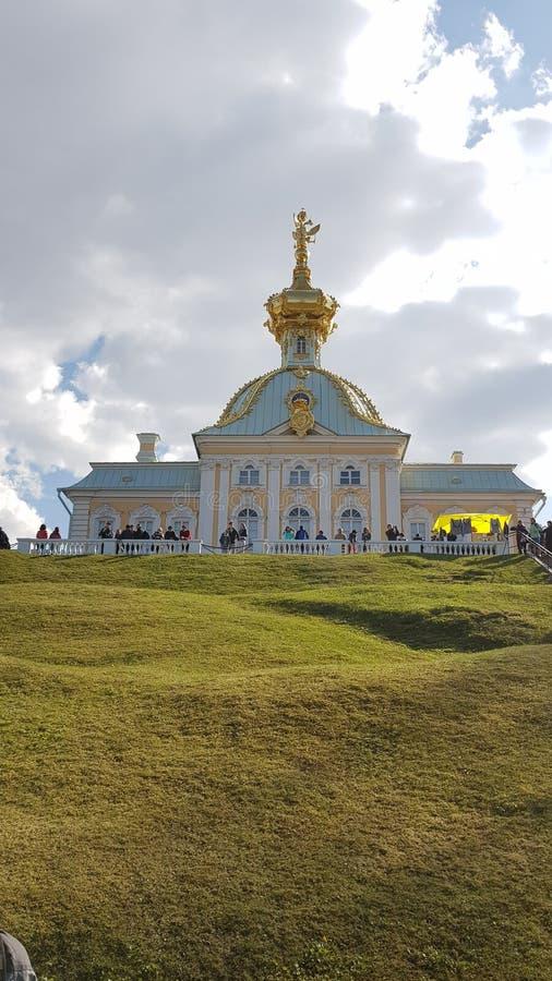 Peterhof in San Pietroburgo immagini stock