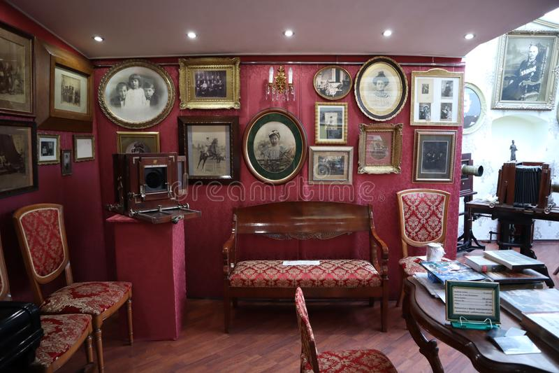 Petersburg Rosja, Luty, - 25, 2019 Powystawowa sala we wnętrzu muzeum Karl Bulla na Nevsky Pro zdjęcie royalty free
