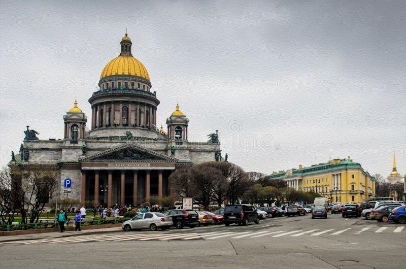 Petersburg, Rosja, Maj 2 i iglica admiralicja, 2015 - widok St Isaac katedra na St Isaac kwadracie zdjęcia stock