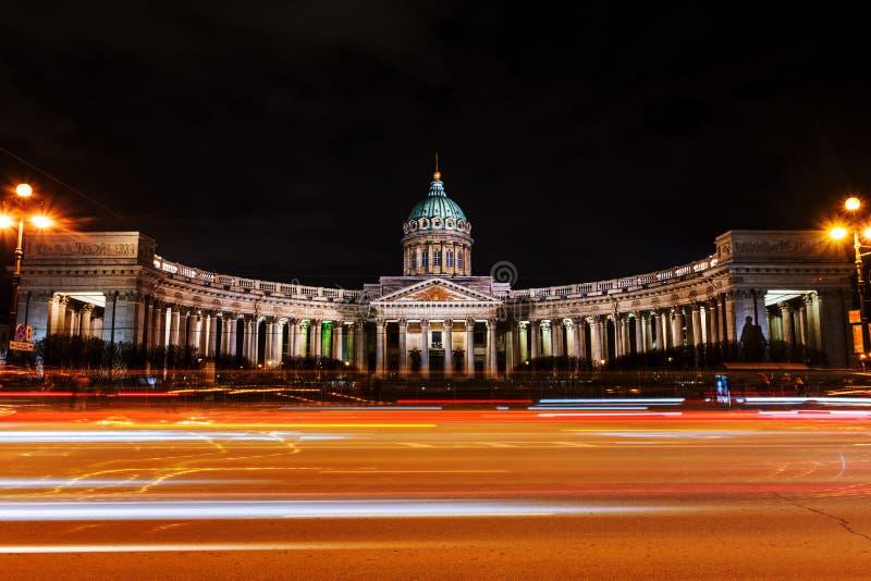 petersburg Rosji st Iluminująca katedra Nasz dama Kazan zdjęcie stock