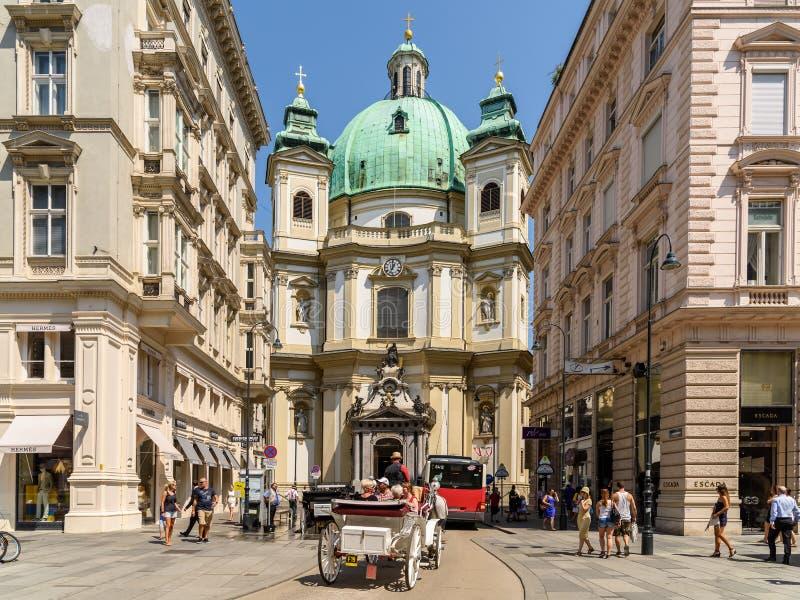 Peterskirche (圣伯多禄教会)在维也纳 免版税库存照片