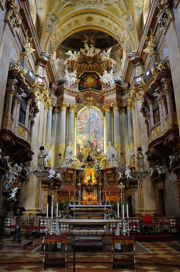 Peterskirche interior en Viena imagen de archivo