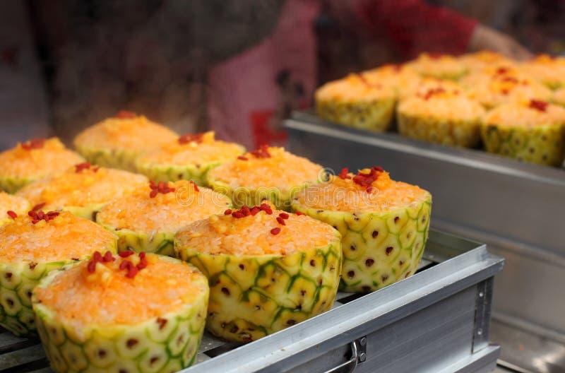 Petiscos chineses na rua--Arroz do abacaxi fotos de stock royalty free